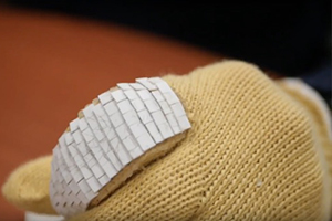 3D printed armoured gloves
